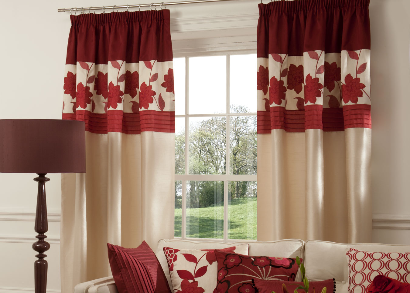 What Hang Up Curtains In The Combined Kitchen Of The Living Room